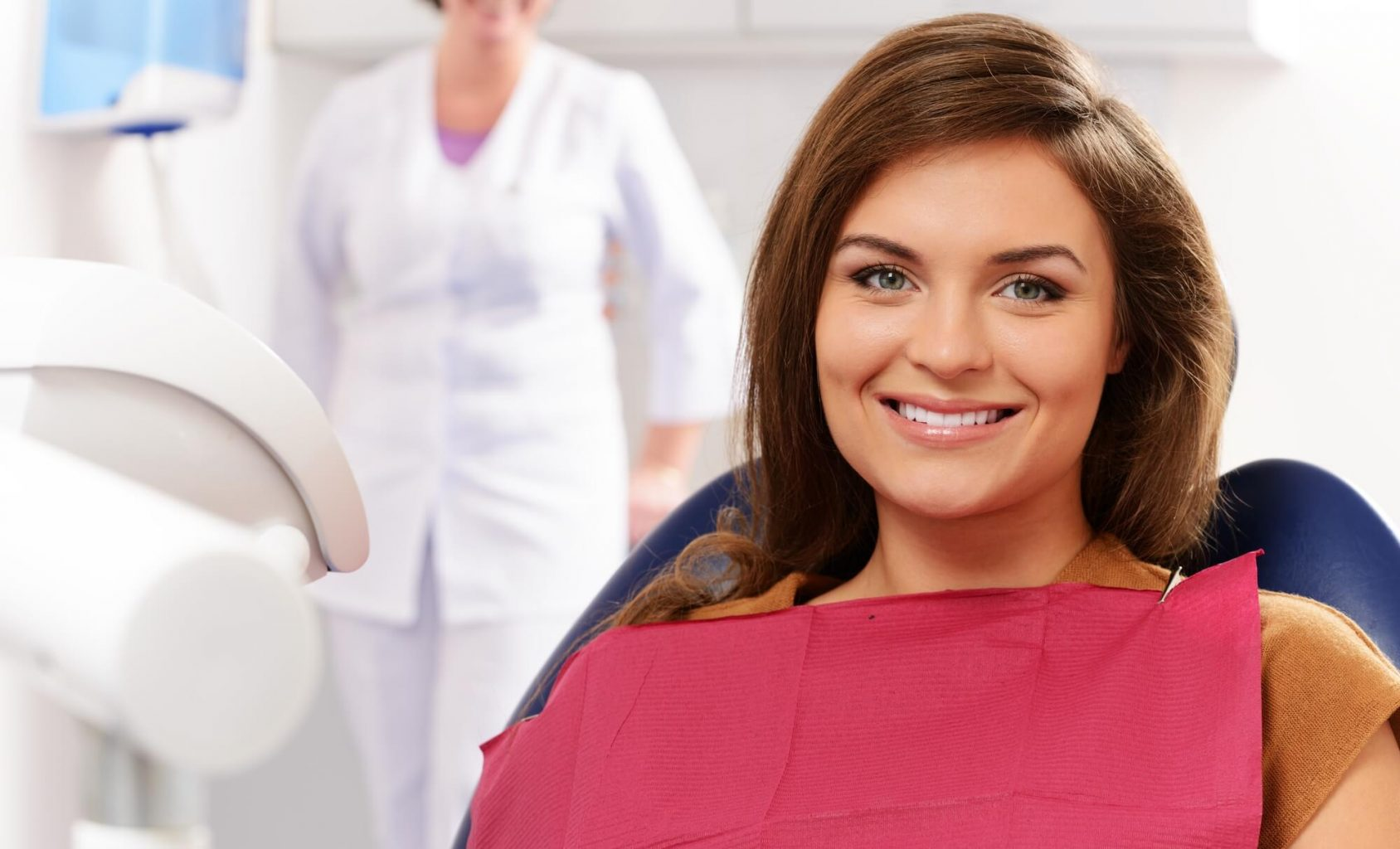 woman seeing Best Dentist Oak Park